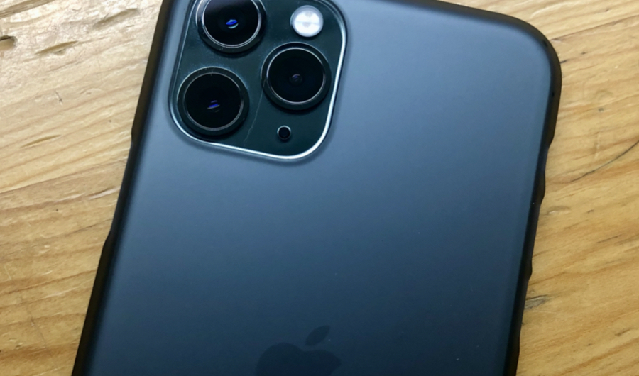 iPhone 11 Pro ミッドナイトグリーンとパワーサポートAir Jacket for iPhone11 Pro (Smoke matte)